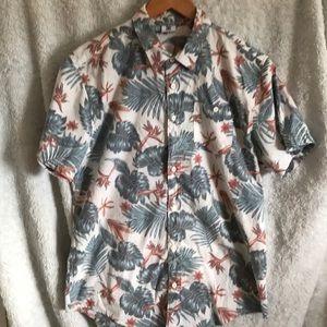 DC Hawaiian Button Down Shirt Size L.